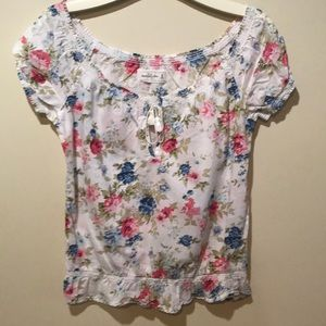 Pretty Abercrombie & Fitch floral top